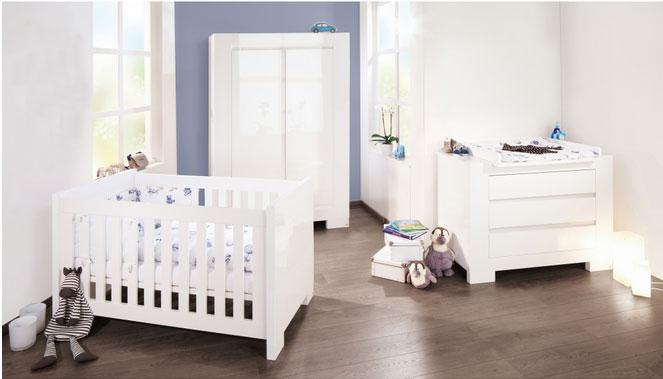 chambre bebe blanche